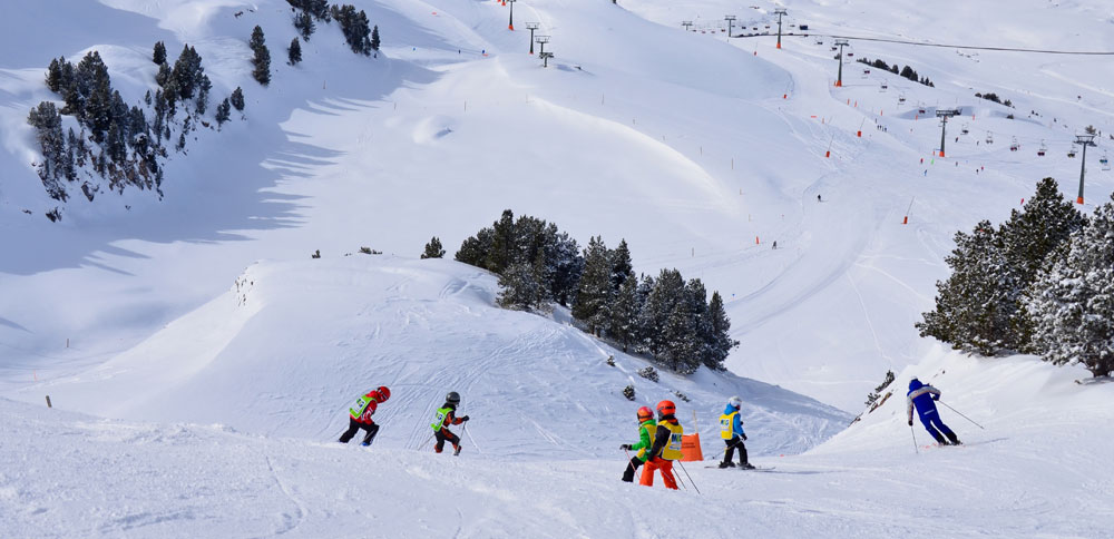 The Aranese station of Baqueira-Beret offers different types of pistes  (runs) which allow one to practice alpine skiing and snowboarding in every  level. 680eaca8d